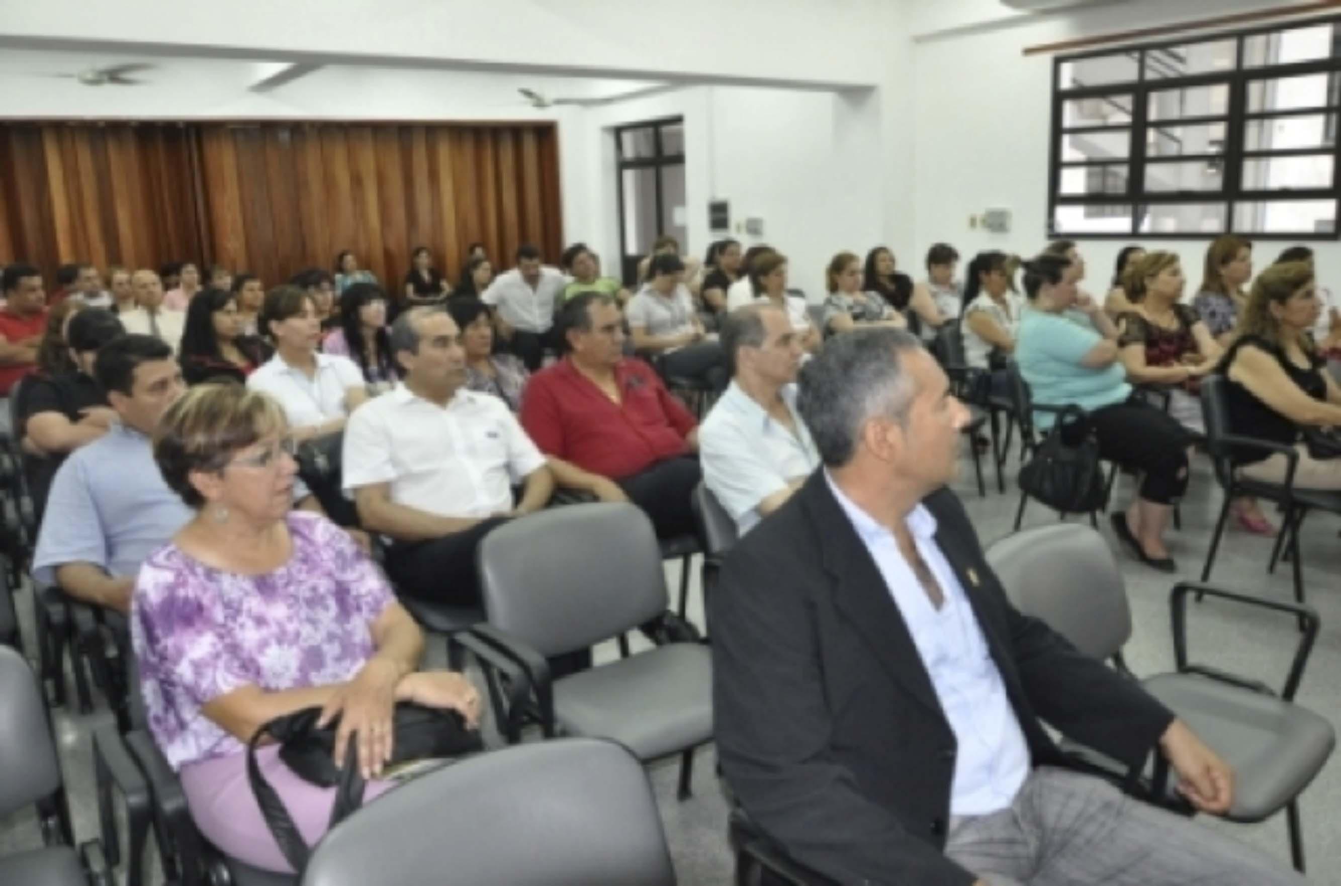 Acto de presentacion de informe de acreditaci n facultad for Funcionarios docentes en el exterior